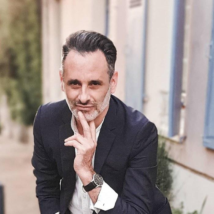 cedric, conseil en image et personal shopper de l'agence Cedricsochic relooking paris